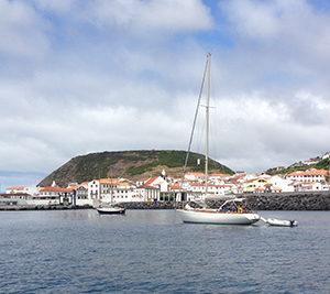 Passeio de Barco às Velas de São Jorge